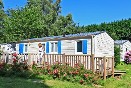 2 bedroom mobile homes for disabled people are one great facility at the Château de Galinée campsite